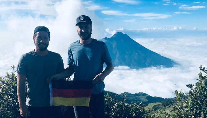 Louis u. Alex Schmitt, Mount Merbabu, Central Java, Indonesien (2019)