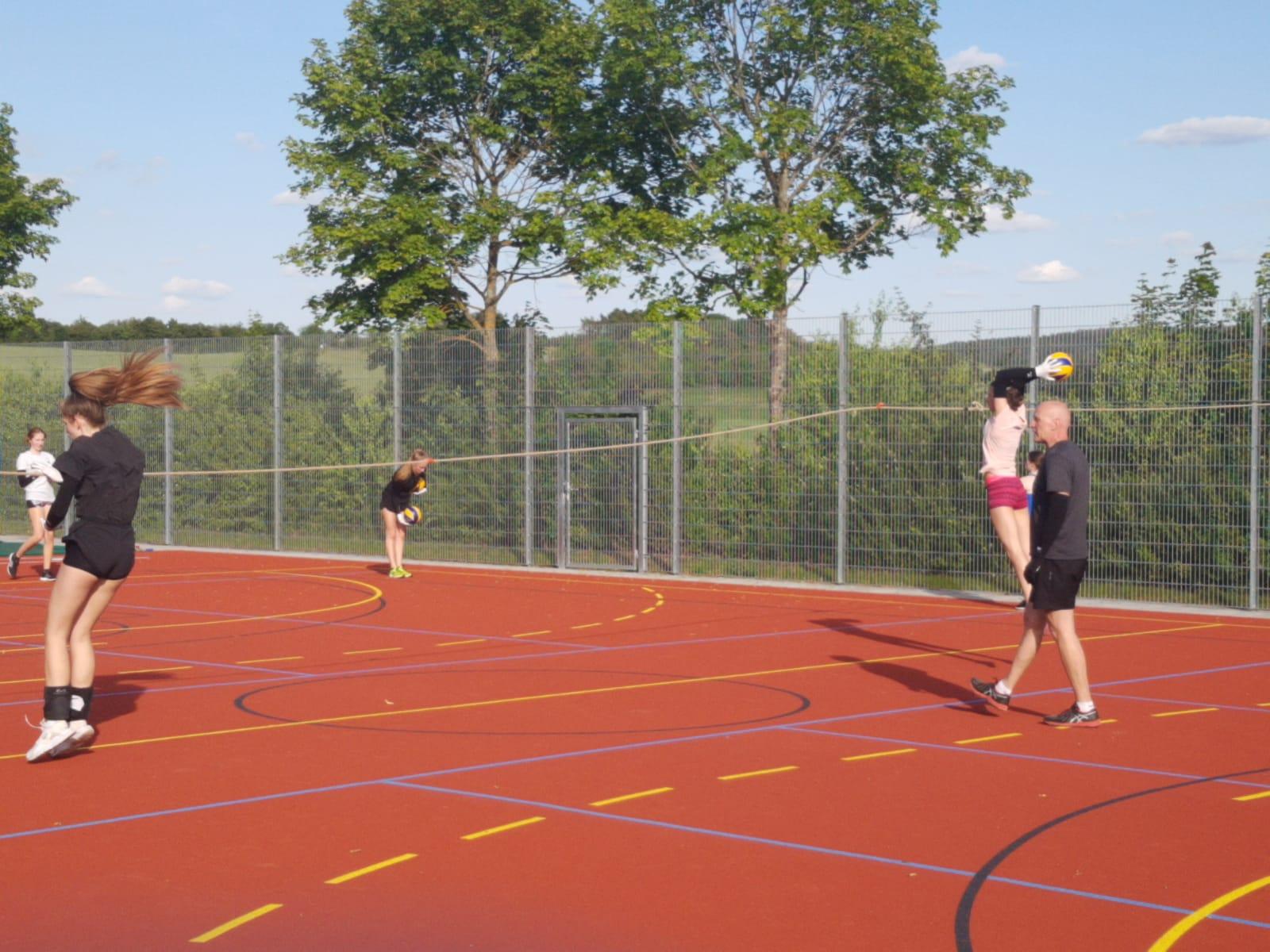 20200605_Volleyballdamen_Trainingsbeginn03