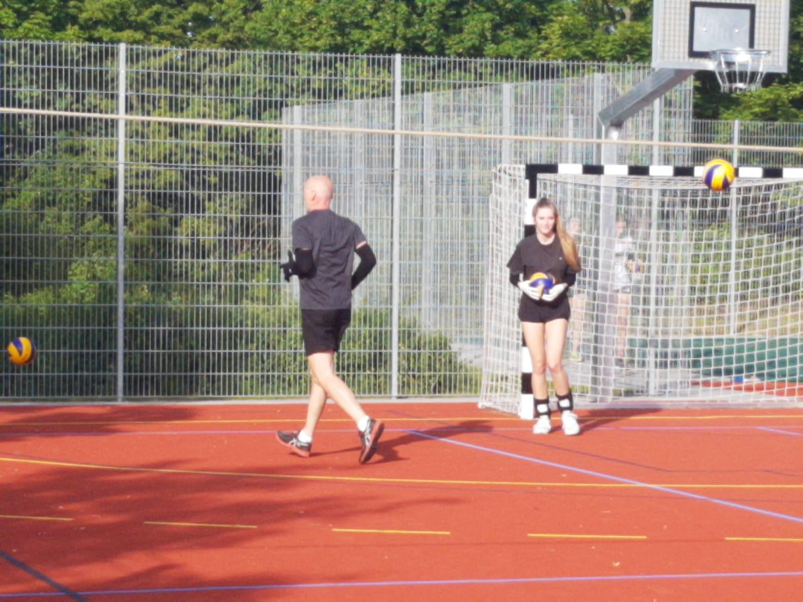 20200605_Volleyballdamen_Trainingsbeginn08